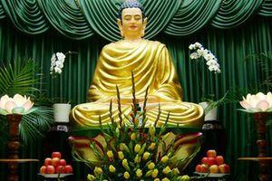 Dâng cúng hoa tươi thế nào khi vào lễ chùa mới được nhiều phúc báu ?