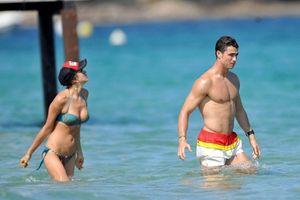 Có tất cả, Ronaldo vẫn tơ tưởng về tình cũ Irina Shayk