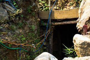 Giải cứu 11 người bị quản thúc, ép làm vất vả trong hầm khai thác vàng
