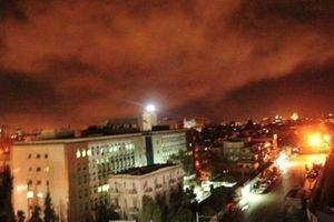 Syria chặn loạt tên lửa mới vừa trút xuống như thế nào?