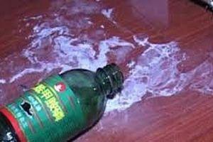 Đầu độc đồng nghiệp bằng dung dịch tẩy rửa vì mâu thuẫn