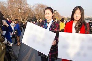 'Thuê người yêu ngày tết' dịch vụ năm nào cũng đắt như tôm tươi tại Trung Quốc