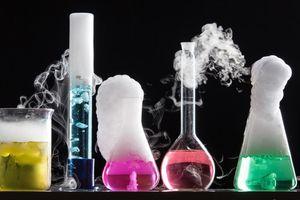 Trắc nghiệm: Bạn có thể trả lời đúng 10 câu Hóa học cơ bản này không?