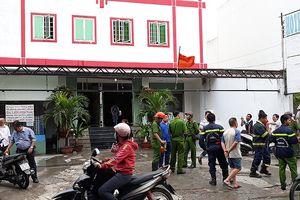 Cháy khách sạn ở Tân Bình, 1 người mắc kẹt