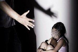 Từ vụ thầy bị tố dâm ô hàng loạt học sinh: Làm gì khi trẻ bị xâm hại?