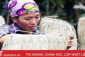 Photo: Độc đáo nghề chằm áo tơi ở Hà Tĩnh