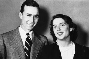Nhan sắc rạng ngời của cựu đệ nhất phu nhân Mỹ Barbara Bush thời trẻ