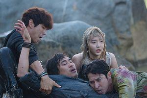 'Lật mặt 3: Ba chàng khuyết': Phim chịu chi, diễn viên 'chịu chơi'