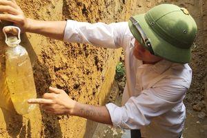 Vụ nước giếng nhiễm dầu ở Hà Tĩnh: Có mạch dầu dưới lòng đất
