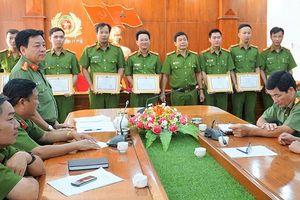 Khen thưởng lực lượng phá án vụ cưỡng đoạt tài sản trên ngư trường
