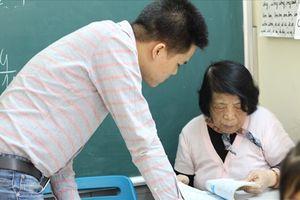 Cô giáo 20 năm dạy miễn phí cho những học trò 'bất trị'