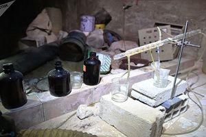 Đột nhập 'nơi sản xuất vũ khí hóa học' của phiến quân ở Douma