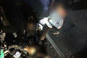 Xe máy tông ô tô đang dừng bên đường ở Quảng Trị, 4 học sinh chết thảm