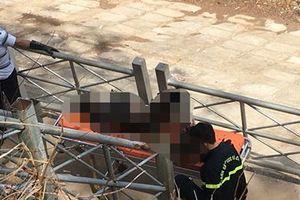 Điều tra 2 cha con chết cháy trong xe ô tô