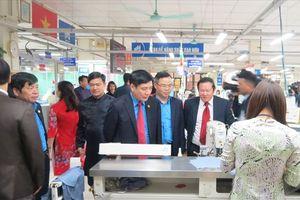 12.000 người lao động TCty May 10 - CTCP tưng bừng khai xuân sản xuất đầu năm mới