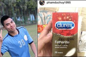 Lầy lội mang Durex tặng cho Đức Huy, phản ứng của 'Quàng tử cục súc' khiến fan 'chết trong sự mềm dẻo'