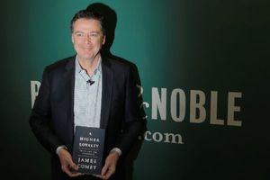 Hồi ký của cựu Giám đốc FBI James Comey 'nói xấu' ông Trump bán chạy nhất trang Amazon