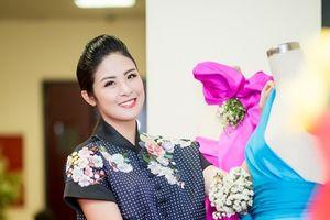 HH Ngọc Hân giới thiệu bộ sưu tập mới tại 'thủ phủ tơ lụa'