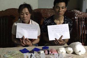 Bắt quả tang đôi nam nữ vận chuyển 4 kg ma túy đá từ Lào về Việt Nam
