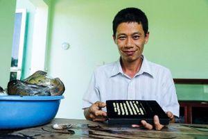 Nghề lạ: Nuôi ngọc trai nước ngọt, kiếm 3,5 tỉ đồng/năm