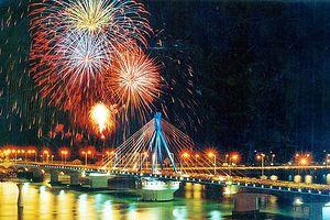 Nghiêm cấm các phương tiện thủy chở khách xem pháo hoa trên sông Hàn