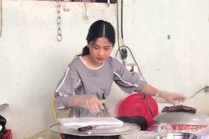 Thiếu nữ Nghệ An bán bánh mướt được dân mạng tìm kiếm
