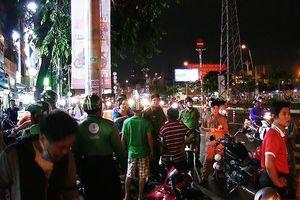 GrabBike bị đánh gãy 2 xương sườn ở cầu vượt Linh Xuân