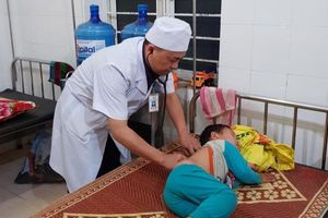 Uống phải nguồn nước bị nhiễm độc thuốc diệt cỏ, 78 người nhập viện
