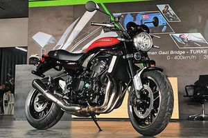 'Soi' Kawasaki Z900RS giá 395 triệu đồng tại Hà Nội