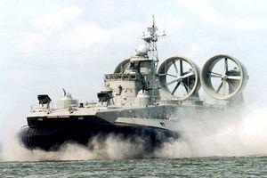Kinh hoàng sức mạnh 'rồng lửa' mới của siêu tàu đổ bộ Zubr
