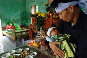 Gia cảnh đáng thương của người phụ nữ bị sét đánh chết: Con thơ 45 ngày tuổi khát sữa mẹ