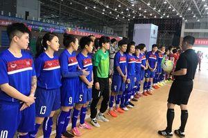 Futsal nữ Việt Nam thua 0-4 trong trận giao hữu với Thái Lan