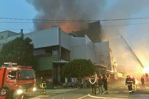 5 lính cứu hỏa hy sinh, nhiều người bị thương và tử nạn