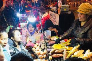 Có giá chưa đến 20.000 đồng, những món hàng này giúp người Đà Lạt kiếm bội tiền tại chợ đêm