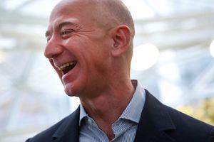 Cha mẹ Jeff Bezos phản ứng ra sao khi con trai muốn từ bỏ tất cả để đi... bán sách qua mạng?