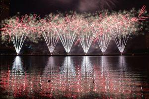 Người dân, du khách mãn nhãn với những màn pháo hoa quốc tế Đà Nẵng