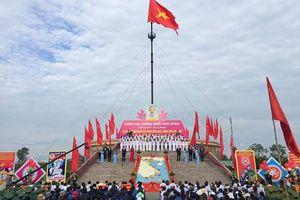 Xúc động hình ảnh bên bờ Hiền Lương trong Lễ hội Thống nhất non sông