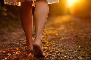 Lợi ích khi đi bộ chân trần