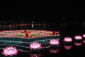 Hàng vạn đèn hoa đăng thắp sáng sông Hương cầu quốc thái dân an