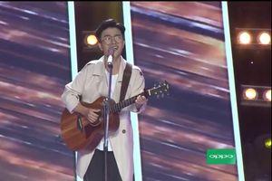 Chàng trai Kiên Giang gây ấn tượng mạnh tại cuộc thi Giọng Hát Việt, được HLV Lam Trường đệm guitar và song ca cùng