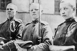 Tiểu đoàn 'tử thần trọc đầu' gây sửng sốt một thời của Nga