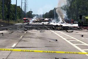Máy bay vận tải quân sự C-130 Mỹ rơi xuống đường cao tốc, 9 người thiệt mạng