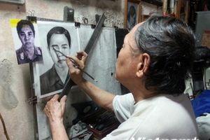 Người giữ lửa nghề vẽ tranh truyền thần ở Thủ đô Hà Nội