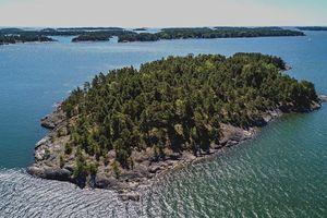 Khám phá hòn đảo cấm nam giới đặt chân đến