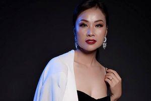 Vợ ca sĩ Đăng Dương gợi cảm không ngờ