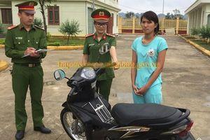 Thiếu nữ vừa ra tù lại đi trộm xe máy
