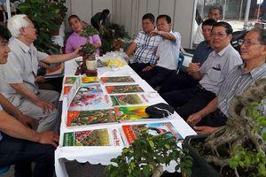 Hà Nội: Sôi động Hội chợ làng nghề quận Long Biên lần thứ II năm 2018