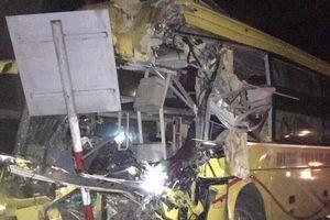 Hà Tĩnh: Tai nạn xe khách thảm khốc, 14 người thương vong