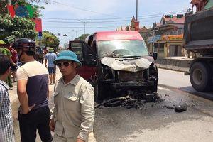 Hai vợ chồng tử vong sau cú va chạm kinh hoàng với xe khách