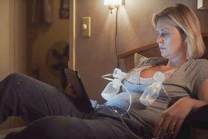 Mỹ nữ Charlize Theron tăng 22 cân để vào vai bà mẹ bỉm sữa